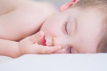 aider un bébé à faire ses nuits